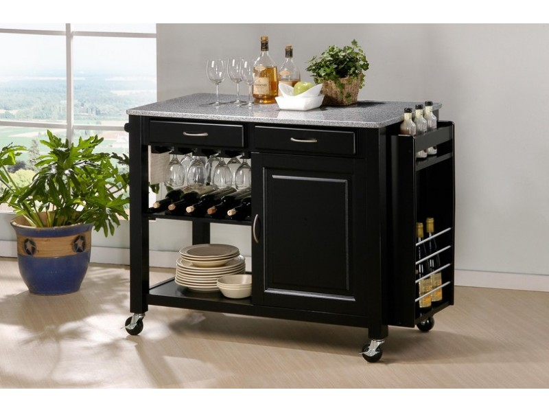 Передвижной сервировочный столик на кухне