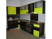 """Кухня - kit_0117 - Кухня с ярким контрастным, в тоже время сбалансированным сочетанием цветов. Темные фасады - МДФ, покрытая шпоном """"Венге шоколад"""", светлые фасады - МДФ, покрытая эмалью (полумат) яркого желто-зеленого цвета (что-то среднее между канареечным и цветом зеленого яблока). Сфотографирован выставочный образец.<br>Для расчета цены подобной кухни укажите код этой кухни в заявке в графе """"Доп. информация"""" <a class=""""kuhni-foto-link"""" title=""""Расчет кухни онлайн"""" href=""""http://dobrotno.com.ua/zakazat-dizayn-kuhni"""" target=""""_blank""""> Рассчитать кухню</a>"""