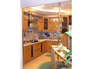Кухня с фасадами из дерева (бук) kder-0011
