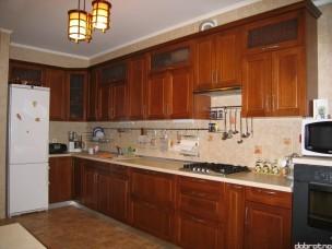 Кухня с фасадами из дерева kder-0044-1
