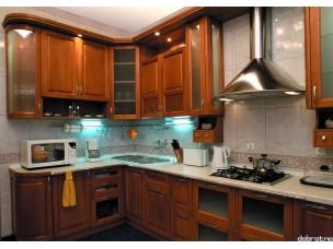 Кухня с фасадами из дерева kder-0059