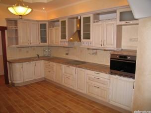 Кухня с фасадами из дерева kder-0065-1