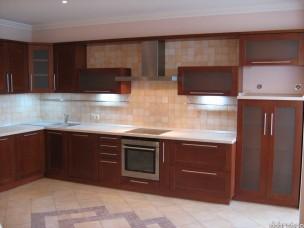 Кухня с фасадами из дерева kder-0086-1