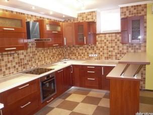 Кухня с фасадами из дерева kder-0106-1