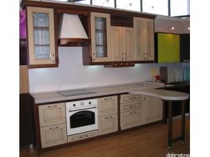 Кухня с фасадами из дерева kder-0139