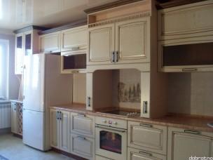Кухня с фасадами из дерева kder-1069