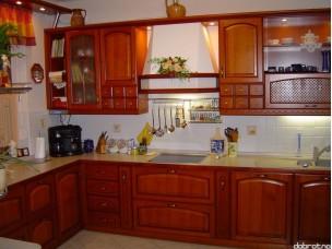 Кухня с фасадами из дерева kder-1119