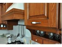 """Кухня из дерева - kit-1169-3<br>Для расчета цены подобной кухни укажите код этой кухни в заявке в графе """"Доп. информация"""" <a class=""""kuhni-foto-link"""" title=""""Расчет кухни онлайн"""" href=""""http://dobrotno.com.ua/zakazat-dizayn-kuhni"""" target=""""_blank""""> Рассчитать кухню</a>"""