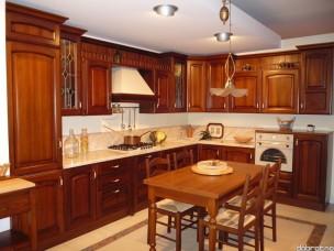 Кухня с фасадами из дерева kder-1225