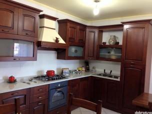Кухня с фасадами из дерева kder-1228