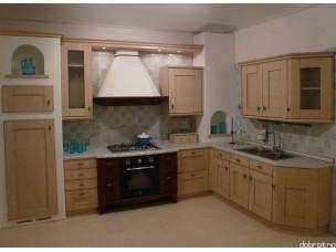 Кухня с фасадами из дерева kder-1236