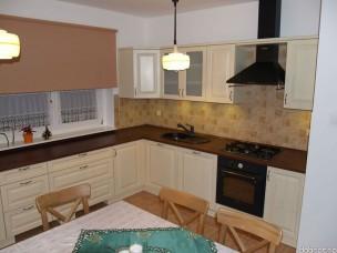 Кухня с фасадами из дерева kder-1301-1