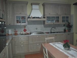 Кухня с фасадами из дерева kder-1355