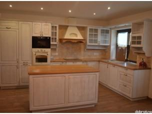 Кухня с фасадами из дерева kder-1396-1