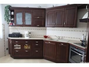 Кухня с фасадами из дерева kder-1415-1