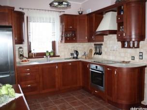 Кухня с фасадами из дерева kder-1640