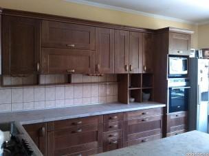 Кухня с фасадами из дерева kder-1666