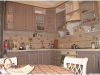 """Классическая кухня - kit-0142-4<br>Для расчета цены подобной кухни укажите код этой кухни в заявке в графе """"Доп. информация"""" <a class=""""kuhni-foto-link"""" title=""""Расчет кухни онлайн"""" href=""""http://dobrotno.com.ua/zakazat-dizayn-kuhni"""" target=""""_blank""""> Рассчитать кухню</a>"""