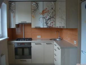Кухня угловая kugl-1542