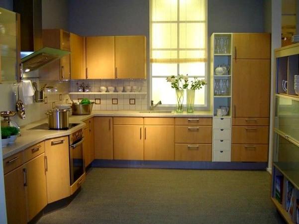 Кухня с фасадами постформинг