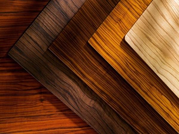 Пластики в виде деревянной текстуры