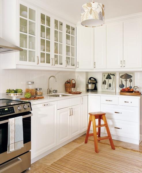 Белая высокая кухня